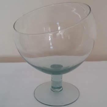 taca de vidro boca torta pequena
