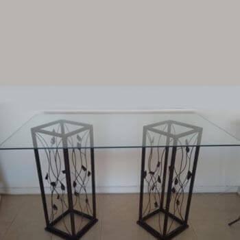Aluguel Mesa de Vidro com Pés de Ferro